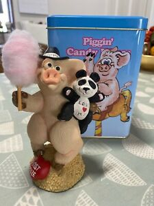 Piggin' Candy Kisses (Exclusive Joining Figurine) - David Corbridge Piece & Tin