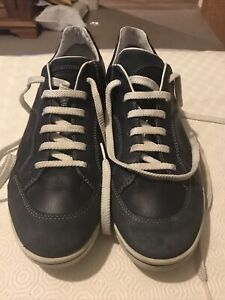 A Pair Of Mens Hugo Boss Trainers Shoes Size 10.5