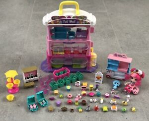 SHOPKINS BUNDLE ASSORTED WITH TALL MALL CARRY CASE