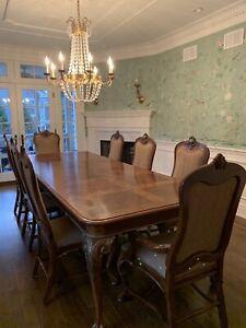 DREXEL HERITAGE 11-piece Dining Room Set