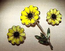 VINTAGE WEISS BROOCH Clip EARRINGS Rhinestones SET Daisy Flower Yellow Black