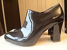 Clarks Ladies Women Leather Lion Roar Patent Grey Ankle High Heel Boot Size 4.5