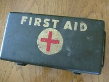 VTG WWII US ARMY MEDICAL DEPARTMENT JEEP FIRST AID KIT METAL BOX + ORIG CONTENTS