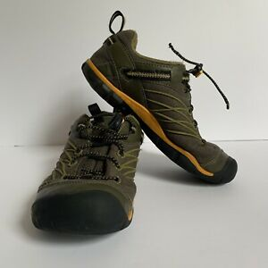 Keen Chandler Youth Kids Size 2 Hiking Shoes/Sneakers