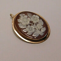 Vintage 14K Yellow Gold Floral Carved Shell Cameo Style Pendant/Brooch ~Estate