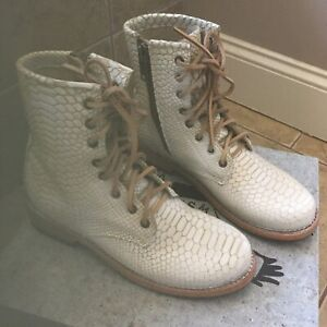 Freebird by Steven Womens 'Manchester' White Snake Ankle Bootie 9 NEW IN BOX