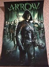 Arrow Cast Signed Poster 11 x 17 Stephen Amell, Willa Holland, Emily Bett, Etc,.