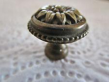 ancienne  poignée de meuble-tiroirs  ronde en bronze  1930 stylisée régence