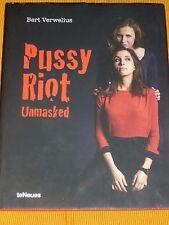 Pussy Riot Unmasked de Bert Verwelius, teNeues. english   9783832798512
