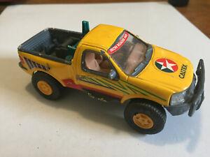 Kentoys Toyota Hi Lux 4 x 4 off road diecast 1/32