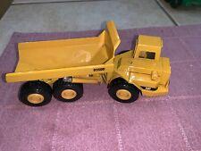 """ERTL- CAT Caterpillar Metal Diecast D3500 Articulated Rock / Dump Truck 7.5"""""""