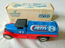 VINTAGE JLE Diecast Scale Models 1931 Int.Tanker Richard Petty Coin bank-key USA