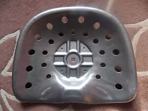 METAL SEAT WITH 24 HOLES