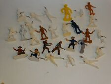 27 Cowboy 54mm plastic soldiers- various brands