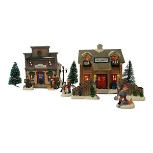"""Christmas Village with Figurines Light Up Grocery Store 6"""" & Ski Chalet 7"""""""