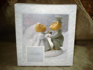 Vtg HALLMARK Porcelain BEARS WEDDING CAKE TOPPER Bride Groom Sweet Romance NIB