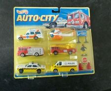 Hot Wheels Auto City 93425 Fire Police Ambulance Emergency Service Set Rare