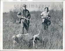 1942 Man & Woman Couple Hunters With Rifles & Dogs Press Photo