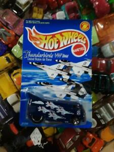 NEW! 1998 Hot Wheels Thunderbirds United States Air Force VW Bus Special Edition