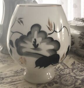 """Attractive MID CENTURY 7.5"""" WHITE GLASS VASE with HP BLACK & GOLD Design"""