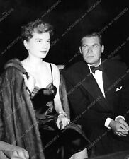 8b20-4166 candid Anne Baxter out with date 8b20-4167