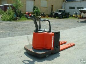 2003 RAYMOND FORKLIFT MODEL #112 JACK , 6000LB CAP. , WITH BATTERY & CHARGER,HD