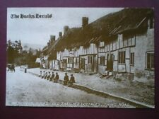 POSTCARD BUCKINGHAMSHIRE WENDOVER - TRING ROAD - OLD THATCHED COTTAGES
