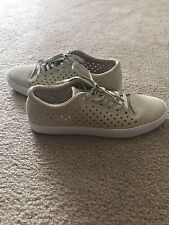 Lacoste Womens Tamora Lace Up 216 1 Fashion Sneaker Shoe Off White Size 8.5 M US