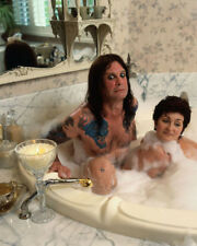 Ozzy Osbourne and Sharon Osbourne UNSIGNED photo - K8820 - In the bath!!!!