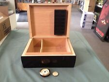 Wooden Humidor Cigar Tobacco Box with Humidifier & Hygrometer