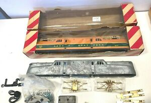 2 Penn Line HO GG-1s, Great Northern engine shell + 1 new undecorated kit + cars