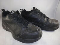 USED Men's NIKE AIR MONARCH 416355 Black Leather Athletic Walking Shoes