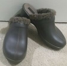 Women's CROCS Cobbler Leather Clog Mule w Faux Fur Lining》Dark Brown/Walnut》11