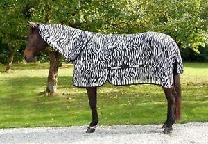 RugBe Zebra Fliegendecke Ekzemerdecke mit Halsteil Zebradecke