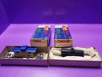 HO scale Roundhouse AMTRAK 2 WINDOW CABOOSE AND TANKER  CAR LOT OF 2