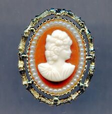 Victorian Lady 2-in-1 Oval Cameo Brooch Pin / Pendant With Pearls Gold Plated