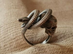 RARE ONE OF A KIND AMAZING VINTAGE ANTIQUE snakе MEMENTO MORI skull SILVER RING