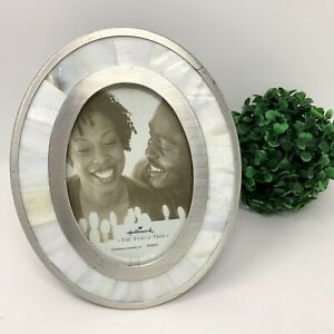 """Hallmark Oval Mother of Pearl Silver Picture Photo Frame 3""""x 5"""""""