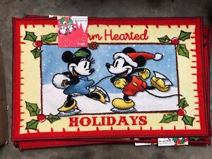 NWT Disney Mickey Minnie Warm Hearted Christmas Indoor Mat Accent Rug 20x32