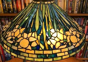 Antique Tiffany Reproduction Long Stemed Blue Daffodil Leaded Glass Lamp Shade