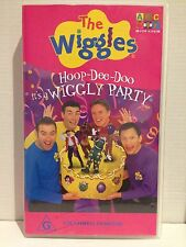 THE WIGGLES ~ HOOP - DEE - DOO ~ IT'S A WIGGLY PARTY ~ VHS VIDEO