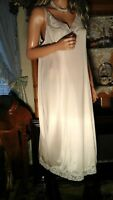 VTG 70's BALI PLUS SZ 40 1X CREAM SILKY ANTRON III NYLON NIGHTIE / FULL SLIP