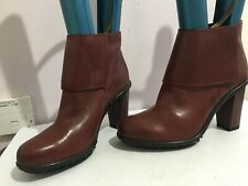 CLARKS GENUINE LEATHER BURGUNDY WOMENS LADIES SIZE 6.5 ANKLE BOOTS SHOES (NA