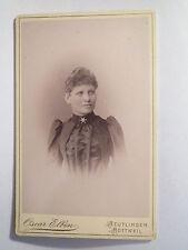 Reutlingen - Rottweil - schöne Frau im Kleid mit Stern-Brosche - Portrait / CDV