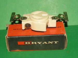 BRYANT 9326 20A SINGLE RECEPTACLE 250Vac ~ NEW OLD STOCK