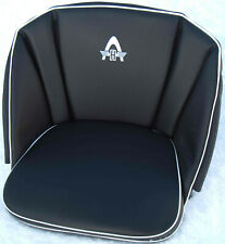 Hanomag Sitzkissen mit Hanomagprägung in der Rückenlehne