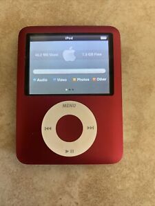 Apple 8GB iPod Nano - 3rd Generation - Red