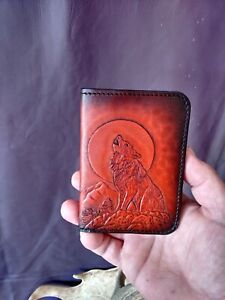 Leather Vertical wallet,hand carved howling wolf, card holder,Unique gift,wolves