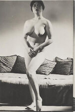ORIGINAL SILVER PRINT OF BEAUTIFUL VOLUPTUOUS NUDE WOMAN IN SULTRY POSE