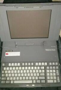 Vintage 1990s Toshiba Lap Top Computer T5200/100